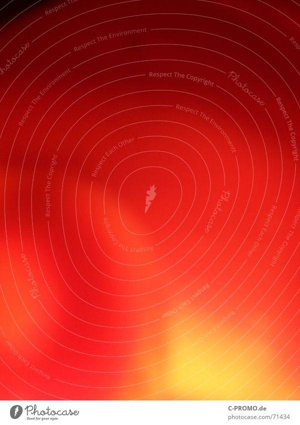 Roter abstrakter Hintergrund Kunst Andeutung Beleuchtung rot Licht gefährlich Hintergrundbild unklar gelb Unschärfe Brand Langzeitbelichtung Farbe Wärme danger