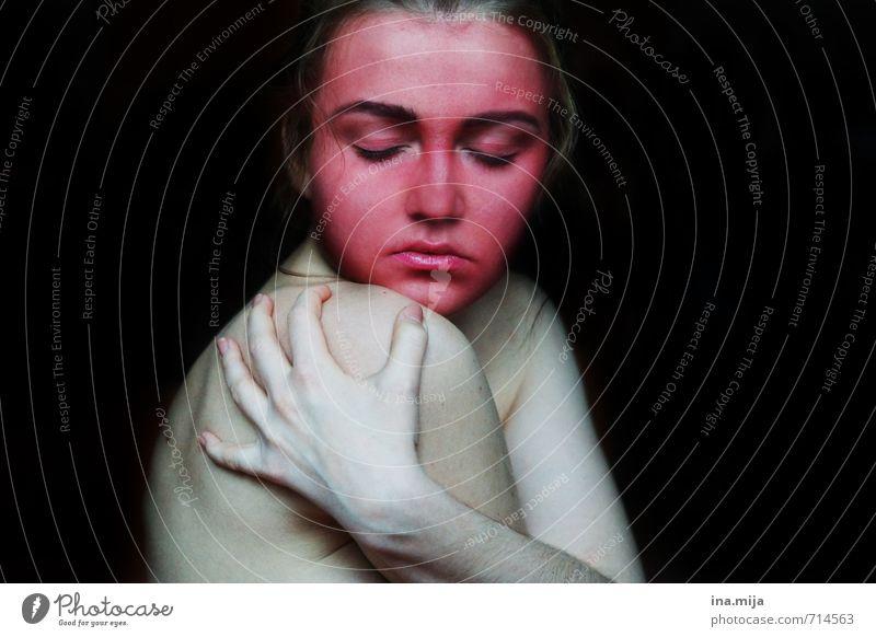 Kopfsache Mensch Frau Kind Jugendliche Junge Frau Einsamkeit Ferne Gesicht Erwachsene Angst 13-18 Jahre Haut Schutz Trauer Stress Verzweiflung