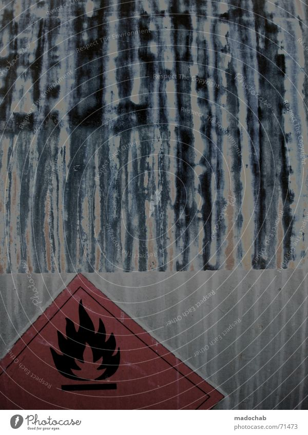 VORSICHT GIFT | warnung hinweis entflammbar schild sign flamme Gift gefährlich explosiv Muster Brand Ikon Wagen Eisenbahnwaggon brennbar Rechteck bedrohlich