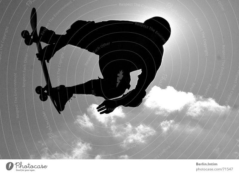 Street Style II Himmel weiß Wolken schwarz springen Stil Skateboarding 2006