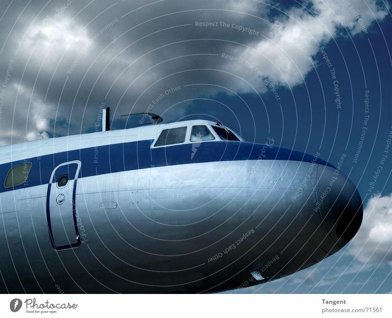 Airline Luftverkehr Himmel Wolken Gewitter Antenne Flugzeug Passagierflugzeug Flughafen Cockpit Pilot retro blau Abdeckung klassisch Nahaufnahme Fluggerät