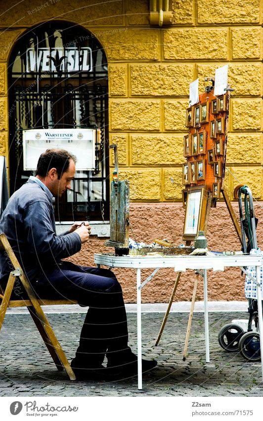 Italian painter Ferien & Urlaub & Reisen ruhig Straße sitzen Tisch Italien Konzentration Kreativität Gedanke Anstreicher Gasse Farbkasten