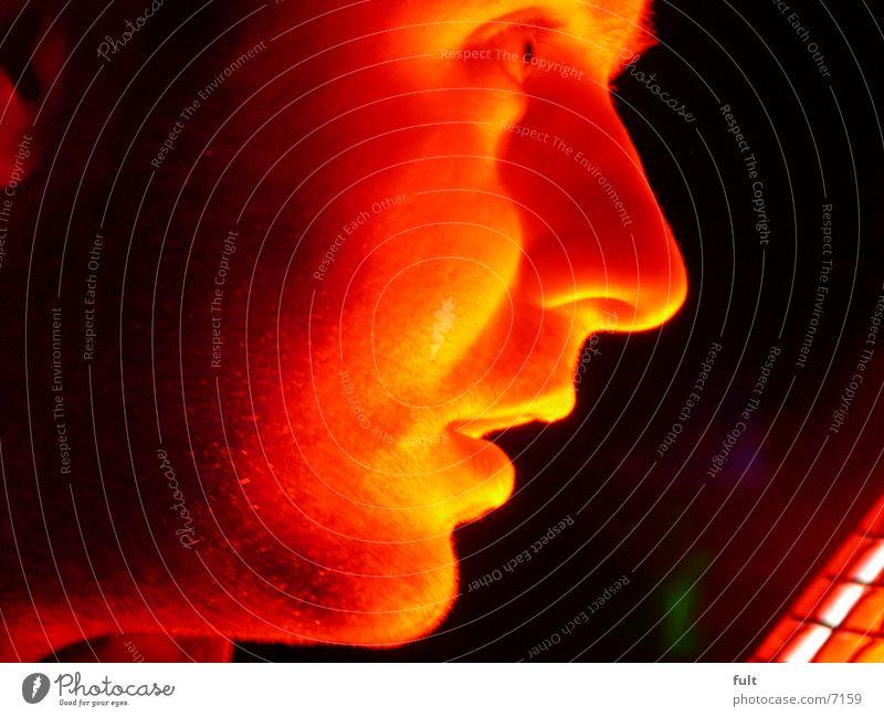 gesicht Mann rot Gesicht Auge Mund Nase Wange Nachtaufnahme