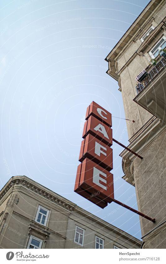 CAFE alt Stadt rot Haus Fenster Wand Architektur Gebäude Mauer grau Essen Fassade Schilder & Markierungen Schriftzeichen retro trinken