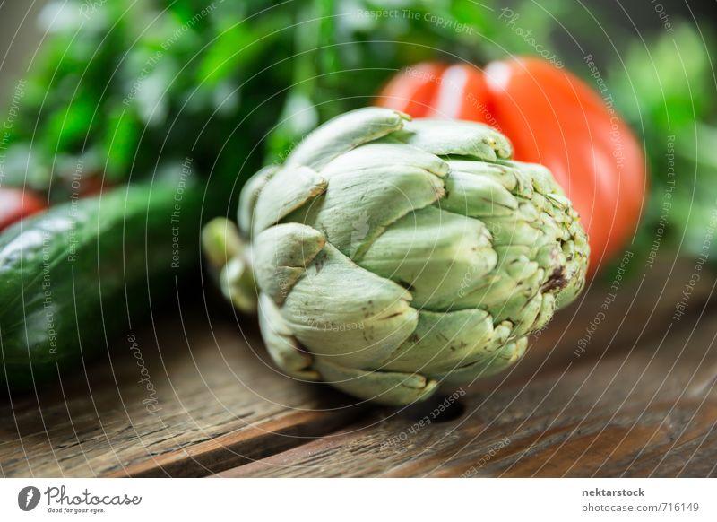 Frisches Gemüse vom Markt Lebensmittel Salat Salatbeilage Artischocke Ernährung Bioprodukte Vegetarische Ernährung Diät Fasten Lifestyle frisch vegetables wood