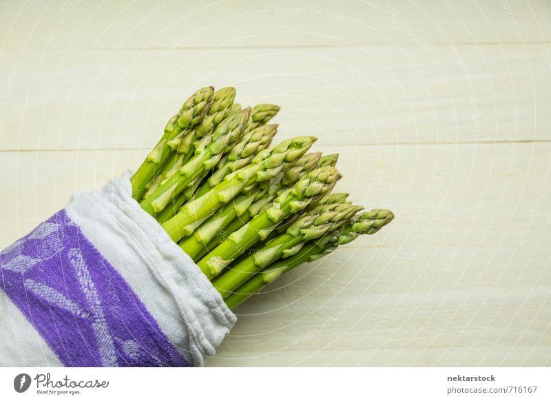 Frischer Spargel Gemüse Salat Salatbeilage Ernährung Bioprodukte Vegetarische Ernährung Gesundheit Gesunde Ernährung frisch white healthy food green vegetable