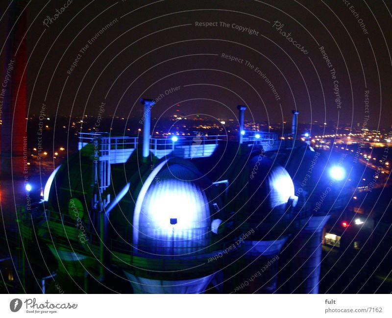 kesselanlage Kuppeldach Licht Stadt Nachtaufnahme Landschaftspark Duisburg-Nord Industrie Lampe blau