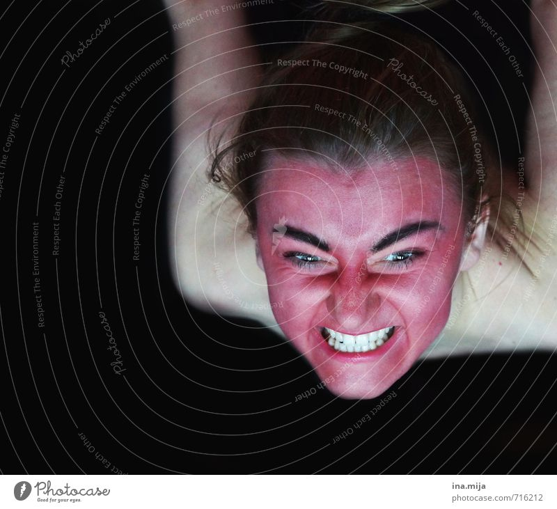 wenn ich hunger habe... Halloween feminin Junge Frau Jugendliche Erwachsene Gesicht 1 Mensch 18-30 Jahre beobachten Aggression hässlich rot schwarz weiß