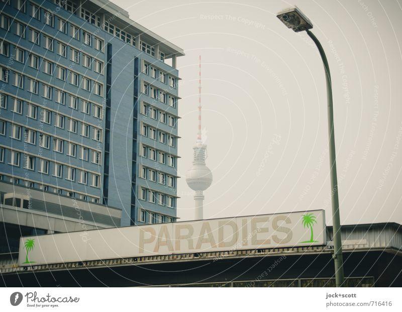 Nirvana im Großstadtdschungel Berlin-Mitte Stadtzentrum Fassade Wahrzeichen Berliner Fernsehturm Leuchtkasten einzigartig retro Paradies Wort Oase Piktogramm