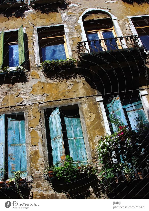 Venice Style alt blau Haus Fenster Italien Balkon Putz Venedig Fensterladen