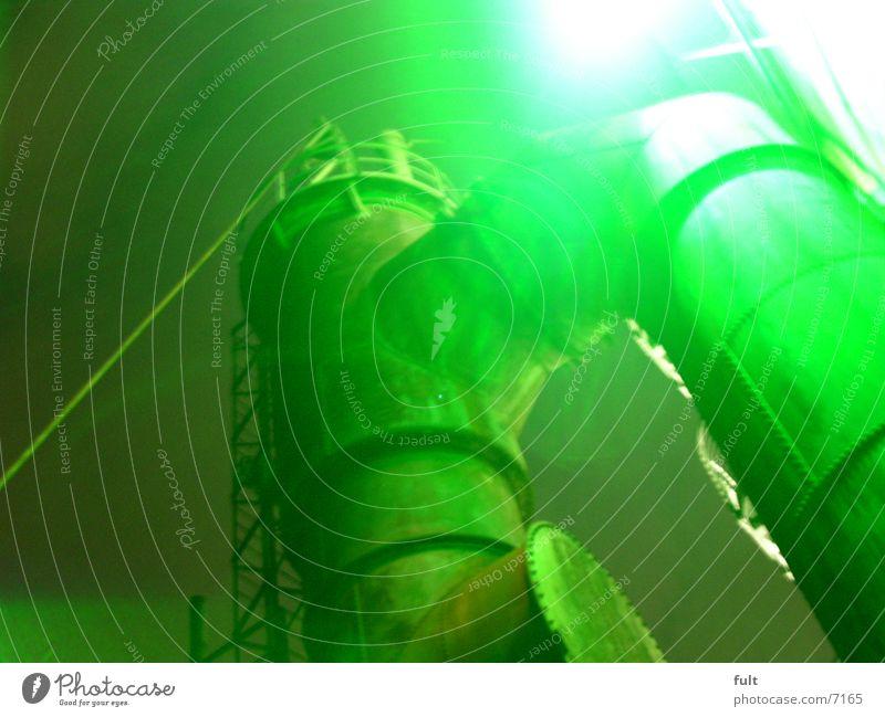 kessel grün Stil Industrie Stahl Eisen Nachtaufnahme Ruhrgebiet Kessel Landschaftspark Duisburg-Nord