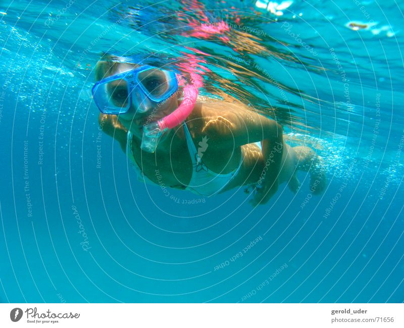 Schnorchel schnorchel Frau Wasser Meer Sommer Ferien & Urlaub & Reisen Brille tauchen entdecken Bikini Erfrischung kühlen Mittelmeer Taucherbrille Tauchgerät
