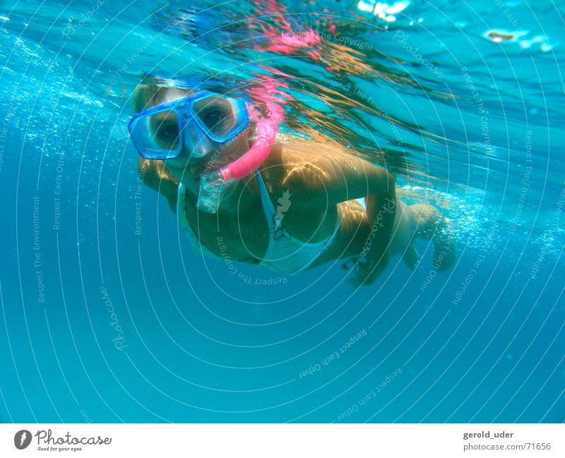 Schnorchel schnorchel Tauchgerät Frau Meer Bikini tauchen Brille Taucherbrille Erfrischung entdecken kühlen Sommer Ferien & Urlaub & Reisen Wasser Mittelmeer