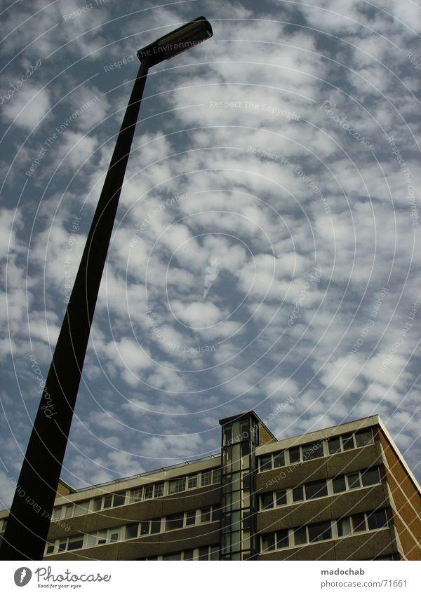 IT'S JUST LIKE THAT | hochhaus gebäude architektur laterne Himmel Stadt blau Sommer Einsamkeit Wolken Haus dunkel Fenster Leben Architektur Traurigkeit Gebäude