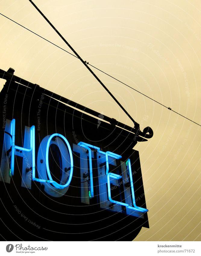 *** Hotel Leuchtreklame Neonlicht Ferien & Urlaub & Reisen Unterkunft Beschriftung Lampe Abend