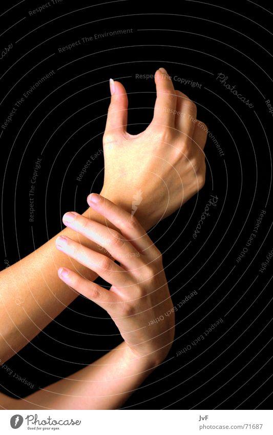 [handhabung] Hand gestikulieren ruhig Körperpflege Fingernagel Handcreme Kosmetik Arme Verkehrswege ausstrecken sanft Maniküre