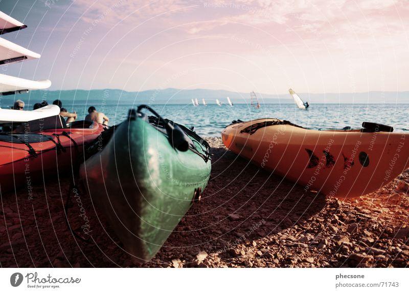 Beach Mensch Wasser Himmel Sonne Meer grün Sommer Strand Ferien & Urlaub & Reisen Erholung Berge u. Gebirge Stein Sand Wasserfahrzeug Graffiti orange