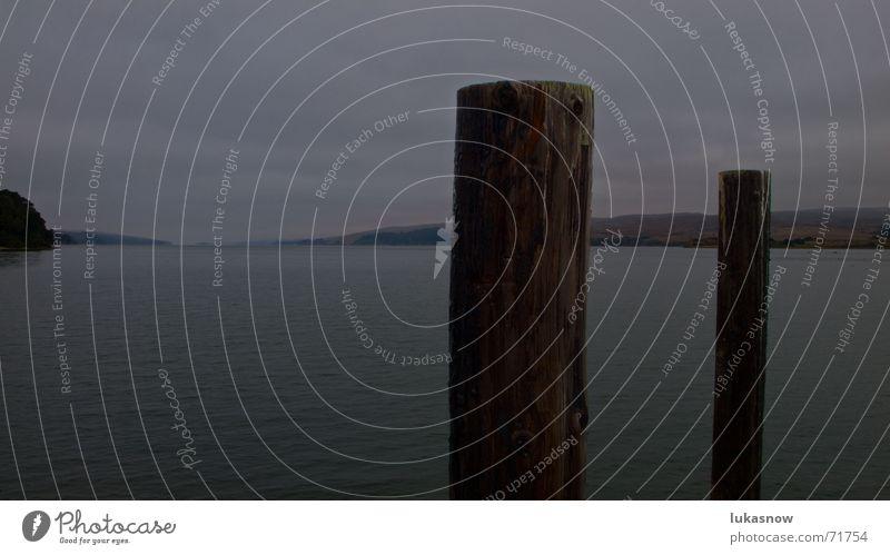 düster dunkel See Dock Nebel bay Fjord Gewitter Regen Abend Pfosten