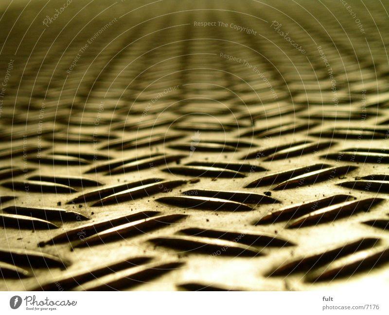 blech Blech Bodenbelag Strukturen & Formen unten Stahl Muster Design Makroaufnahme Nahaufnahme riffelblech rutschfest kahl