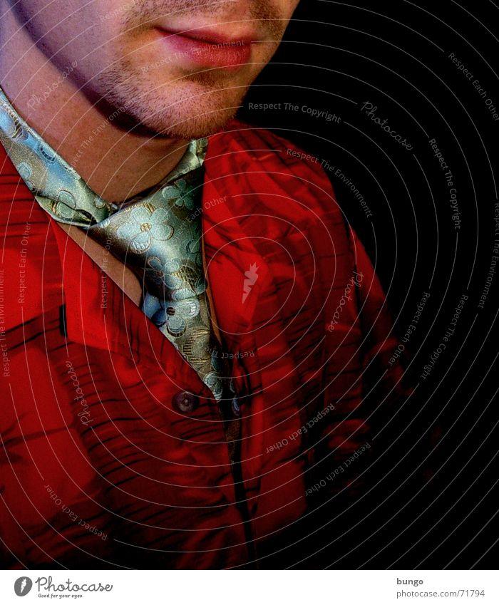 sine ratione Stil Bekleidung Hemd Kragen Krawatte Krawattenknoten Knöpfe Muster Blumenmuster mehrfarbig knallig Bart Lippen Wange rot grün Mann unmodisch