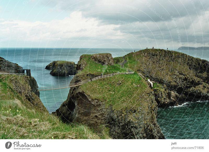 Hängebrücke Irland Küste Meer Klippe carrig-a-rede rope bridge Republik Irland Norden Brücke seilbrücke