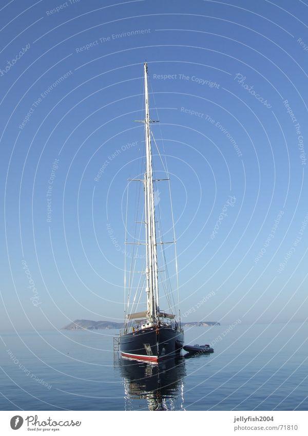 Schiff im Morgen Sportboot Segeln Meer Stimmung Kroatien Wasserfahrzeug Jacht Insel vis Himmel