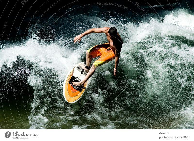Citysurfer VI Mensch Mann Wasser grün Winter Sport kalt springen Stil Zufriedenheit Wellen Wassertropfen nass Aktion modern Elektrizität