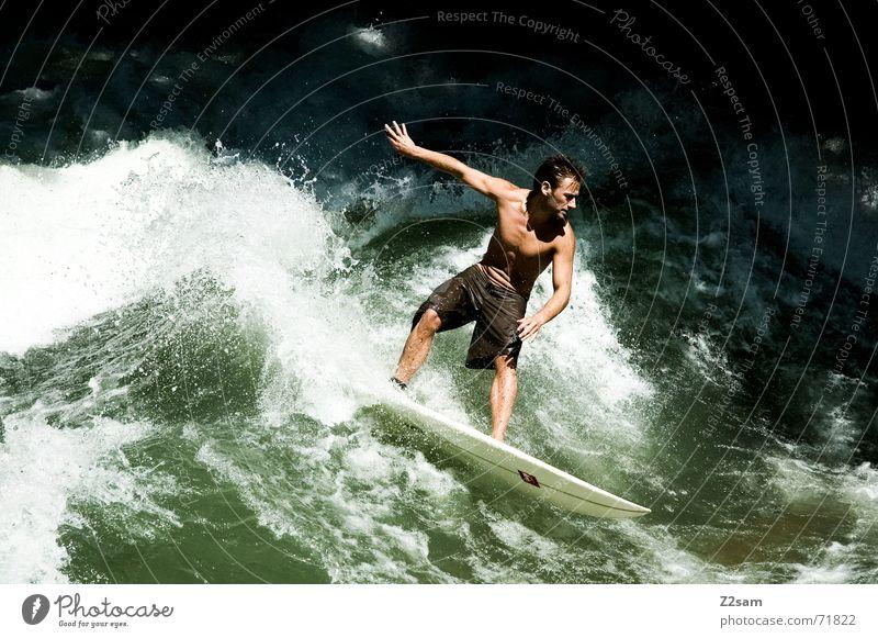 Citysurfer VIII Surfer Wassersport Winter kalt Anzug Neopren Surfen Wellen Stil München Zufriedenheit nass Sport grün Mann lässig Körperhaltung Sturz Aktion