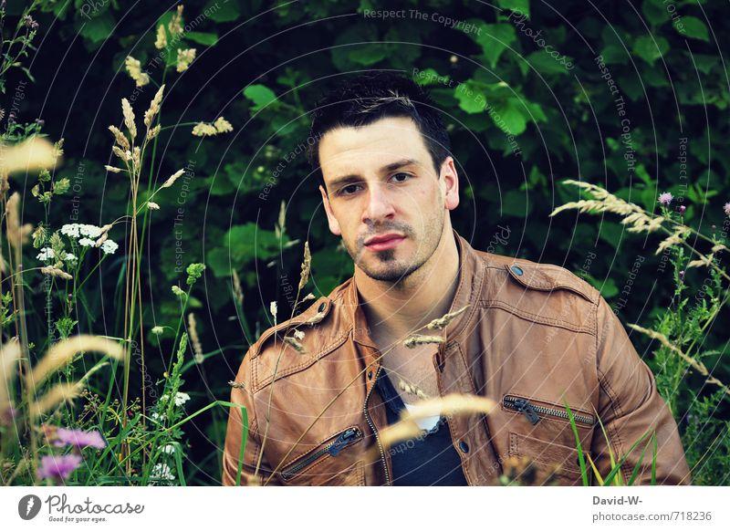 junger mann Mensch Natur Jugendliche schön 18-30 Jahre Junger Mann Erotik Erwachsene Leben Wiese maskulin Idylle Sträucher ästhetisch sportlich heiß