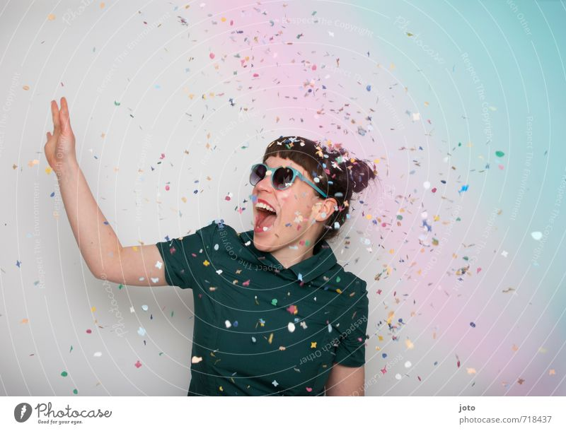 good mood Jugendliche Junge Frau Freude Leben Bewegung Glück lachen Feste & Feiern Party wild Zufriedenheit Geburtstag frei Tanzen verrückt Fröhlichkeit