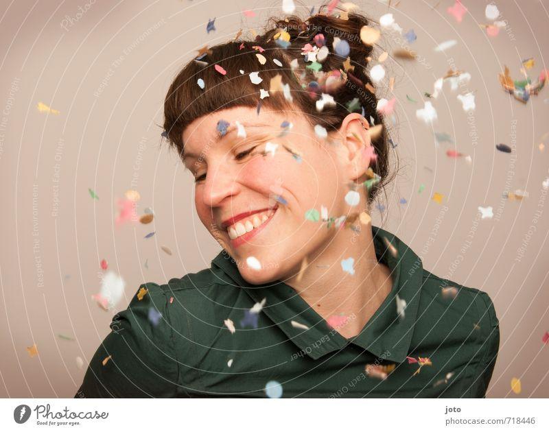 smile Freude Party Feste & Feiern Silvester u. Neujahr Geburtstag Mensch Frau Erwachsene Lächeln lachen frech Fröhlichkeit Glück niedlich positiv verrückt wild