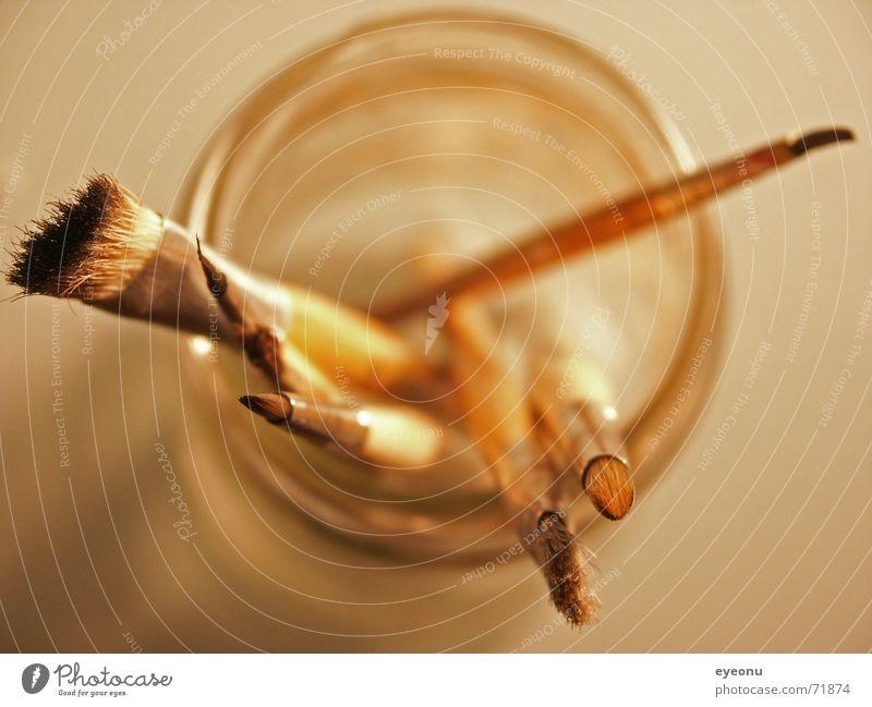 Pinsel Kreativität streichen Kunst Vogelperspektive Bronze Becher bernsteinfarben Kunsthandwerker Wasserglas Freude Freizeit & Hobby bronzefarben Farbe Glas