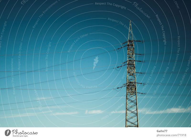 blue energy Elektrizität Leitung Kraft Strommast blau Himmel Energiewirtschaft Industriefotografie Kabel