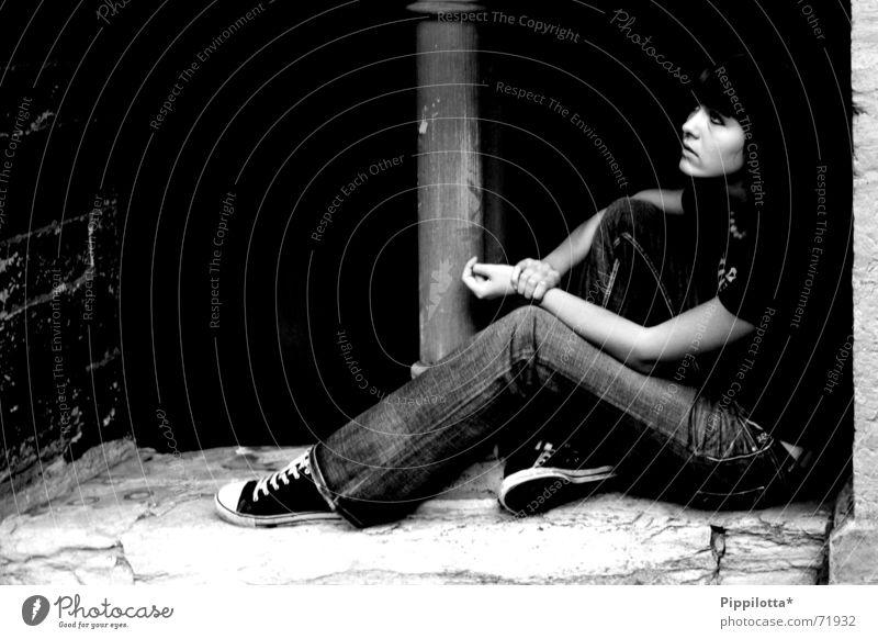 Sitting On A CornFlake dunkel Denken schwarz sitzen Erholung Blick nachdenken
