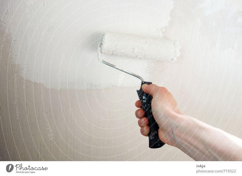 Wandmalerei Häusliches Leben Renovieren Arbeit & Erwerbstätigkeit Beruf Handwerker Anstreicher Baustelle 1 Mensch farbrolle Tapete Farbe machen streichen alt
