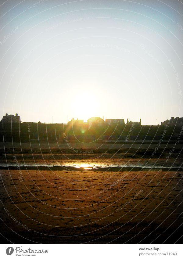 sunset chalet Nordseeküste Strand Himmel See Meer Sonnenuntergang England Küste Himmelskörper & Weltall Sommer sky sea