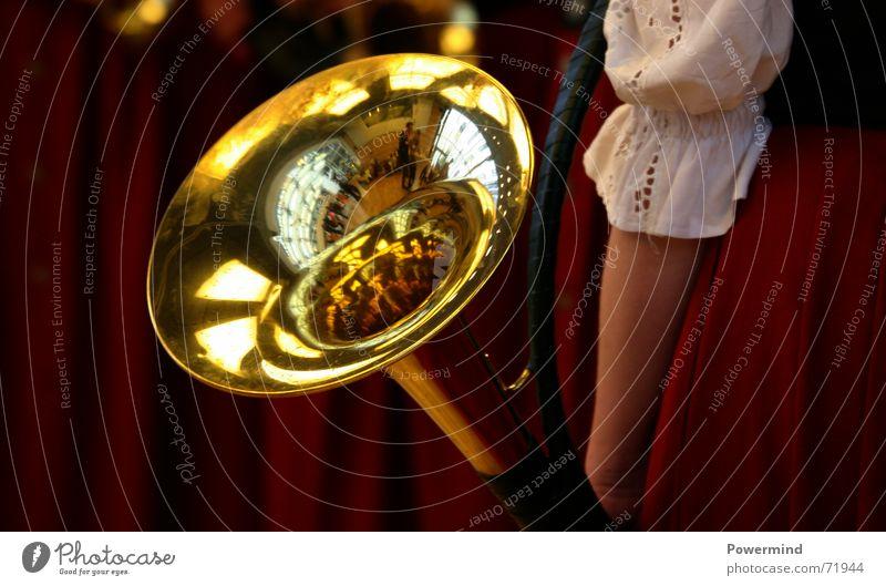 MarschBlasen Musik glänzend blasen Horn laut Musikinstrument Musiker kahl blitzen Messing Blaskapelle