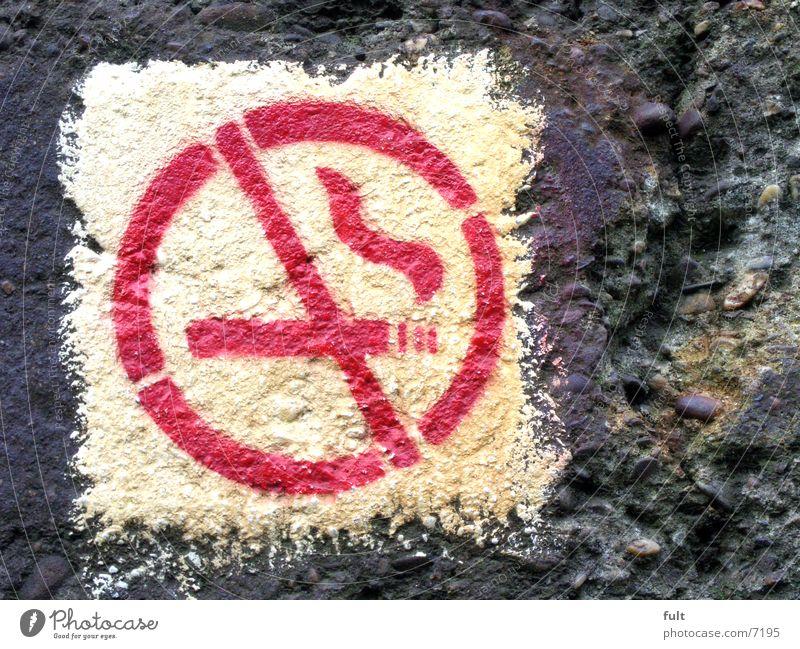 no smoking weiß rot Beton Dinge Hinweisschild Ikon gesprüht