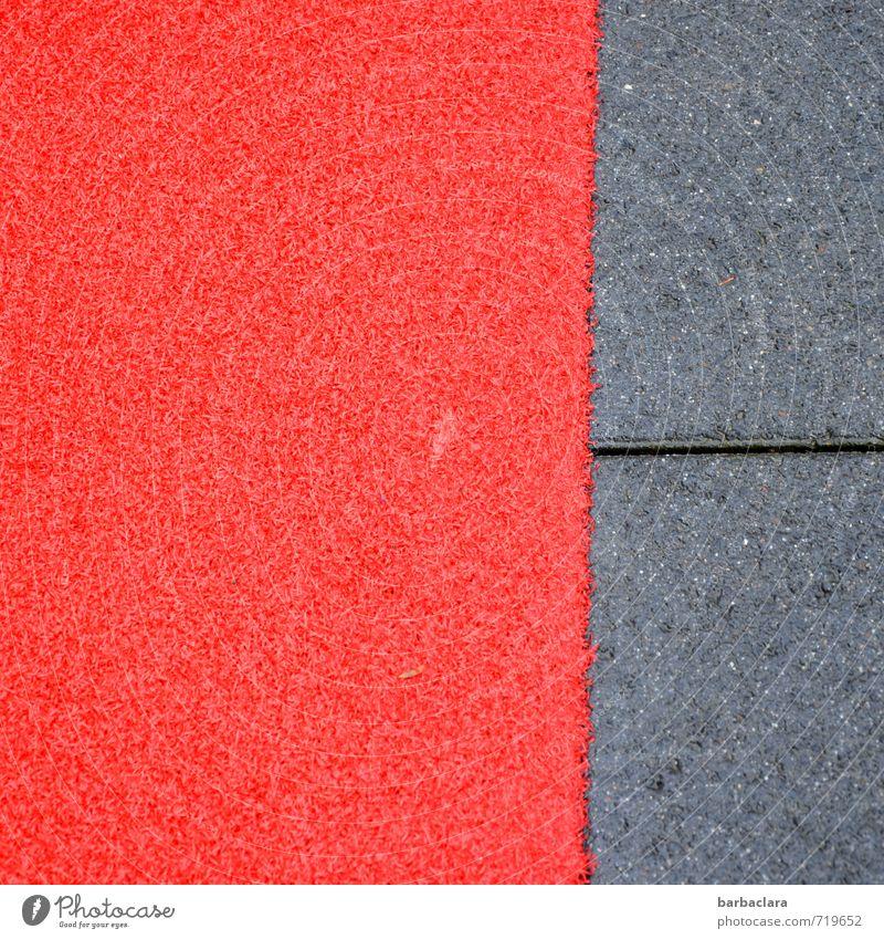 AST 7 | zum Hotel Stadt Farbe rot Straße Wege & Pfade grau Stein liegen leuchten Platz Streifen Schutz Sicherheit Kunststoff Bürgersteig