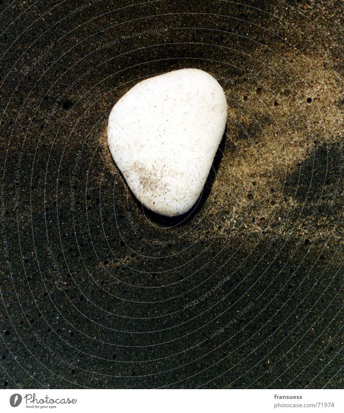 SandStrandStein schwarz weiß Ferien & Urlaub & Reisen Meer ocean stone