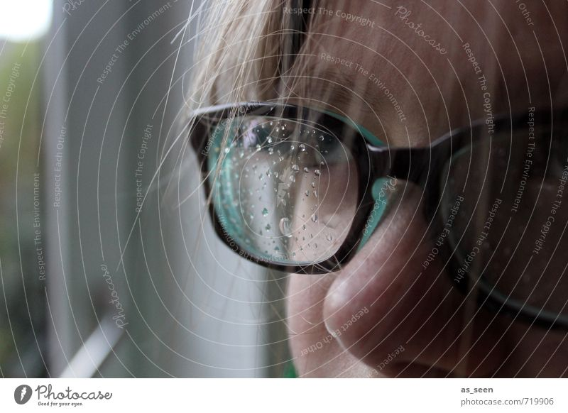 Durchblick feminin Mädchen Haare & Frisuren Gesicht Auge Nase 1 Mensch 8-13 Jahre Kind Kindheit Umwelt Wasser Wassertropfen Klima Wetter Regen Gewitter Fenster