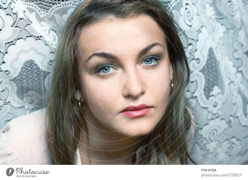 Gesicht einer jungen Frau schön Körperpflege Haare & Frisuren Haut Zufriedenheit Erholung ruhig Mensch feminin Junge Frau Jugendliche Erwachsene 1 18-30 Jahre