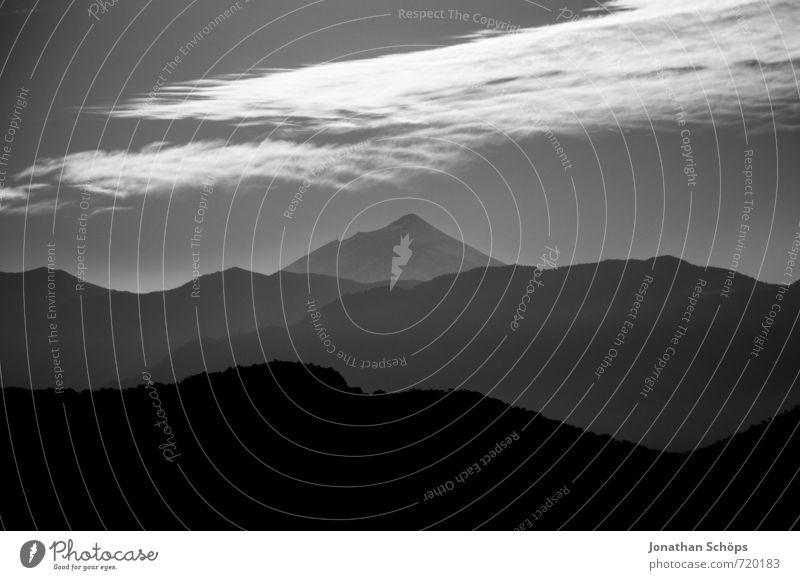 Schottendüster Himmel Natur Landschaft Wolken dunkel Berge u. Gebirge schwarz Umwelt Felsen trist bedrohlich Gipfel Trauer Sehnsucht Fernweh Schottland