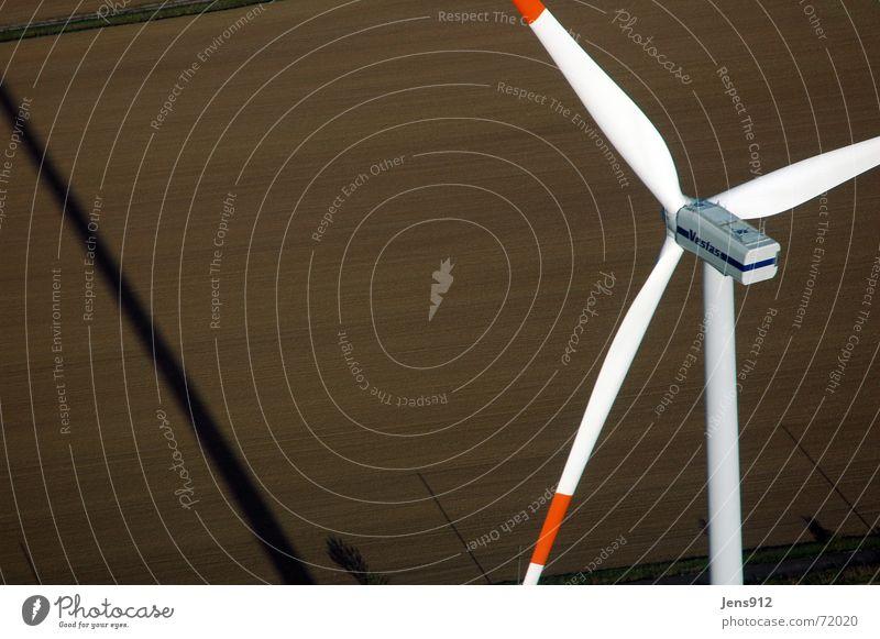 Windpark Erfurt Linie Feld Flügel Windkraftanlage Landwirtschaft Fußweg Strommast Rotor Ackerboden