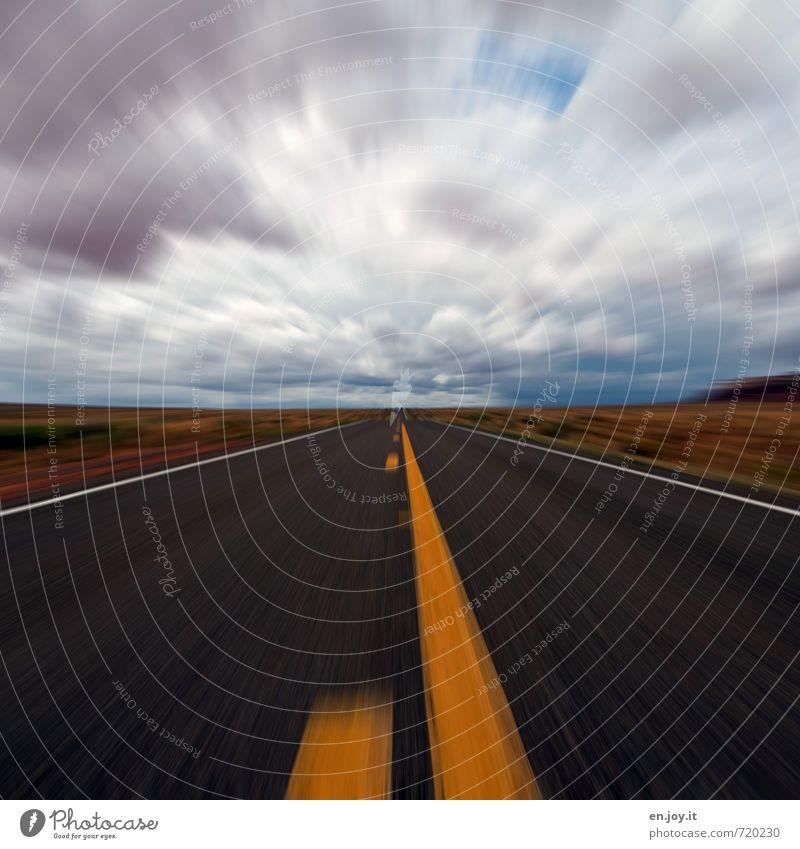 gaaanz schnell blau weiß Wolken Freude Ferne schwarz gelb Straße Gefühle Bewegung Freiheit Horizont träumen Klima Geschwindigkeit Abenteuer