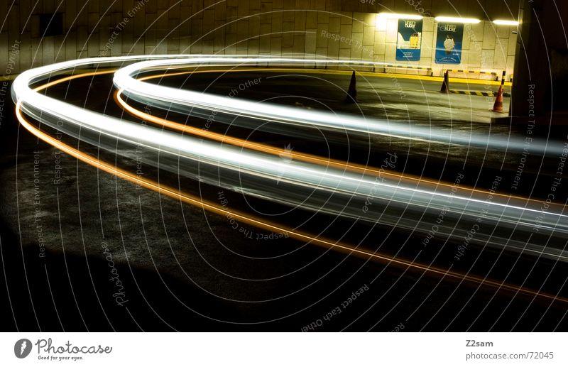 downward Straße Bewegung Verkehr Kreis fahren Streifen unten Hütte Dynamik Kurve Bogen Tiefgarage