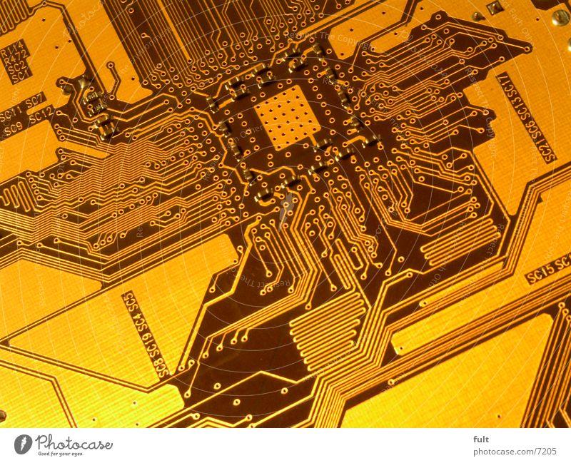 platine Computer gold Eisenbahn Zukunft Technik & Technologie Informationstechnologie Verbindung Elektronik Zeit Leitung Gefäße Mikrochip Platine Elektrisches Gerät