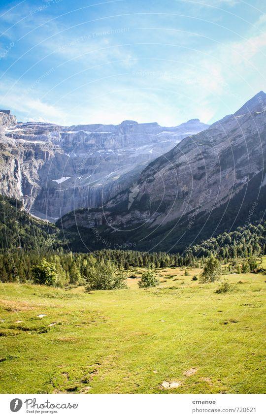 cirque de gavarnie Himmel Natur Ferien & Urlaub & Reisen blau schön grün Pflanze Sommer Baum Landschaft Wald Berge u. Gebirge Gras natürlich Felsen Wetter
