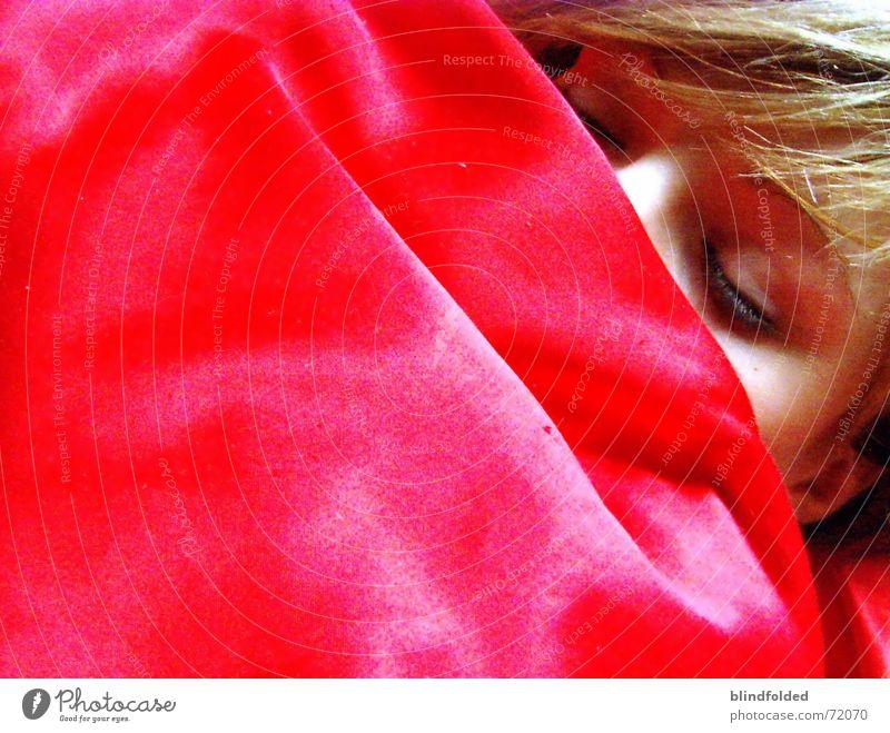 just want to disappear rot Auge träumen schlafen Müdigkeit friedlich Seide