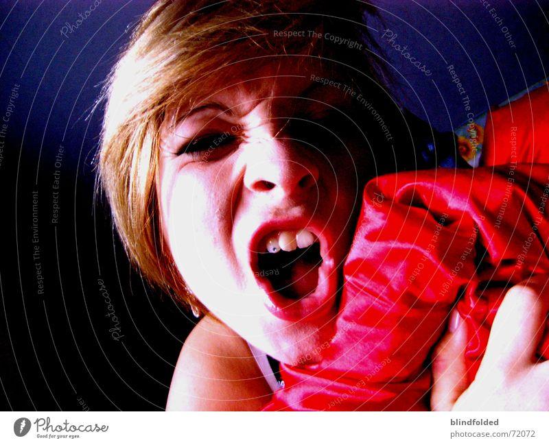 *fauch* blau rot Zähne Wut Müdigkeit unordentlich Morgen